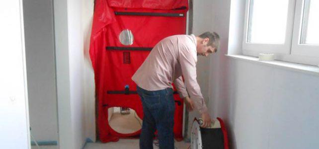 Einbau der BlowerDoor in eine Brandschutztür